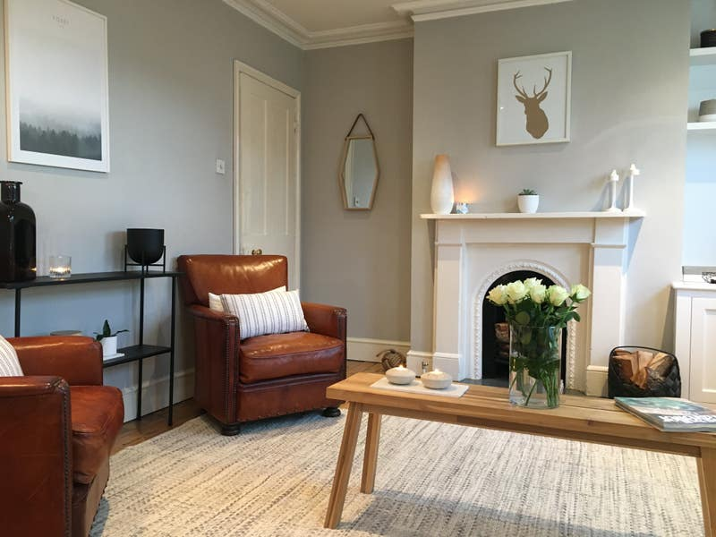 Small Double In Lovely Victorian Flat. Main Photo