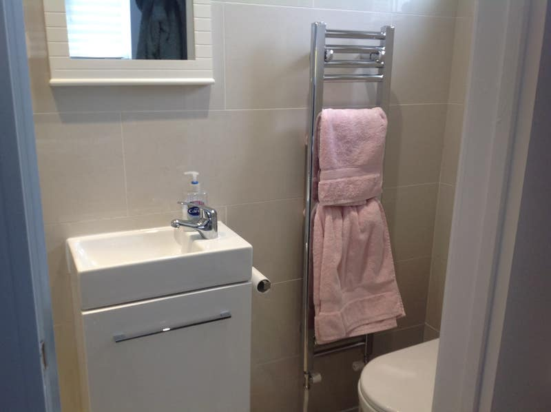 Very comfortable double room with shower unsuite . Main Photo