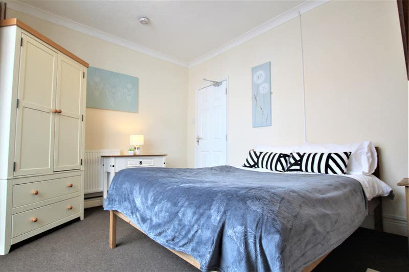 Fully Furnished Rooms Main Photo