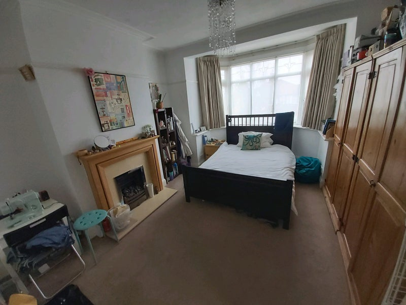 Double Bedroom in Chingford Mount. Main Photo
