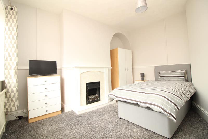 5 Stunning Rooms Available Woodlands Doncaster £  Main Photo