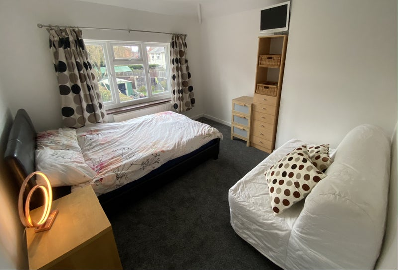 Double Room for Rent Halesowen Main Photo