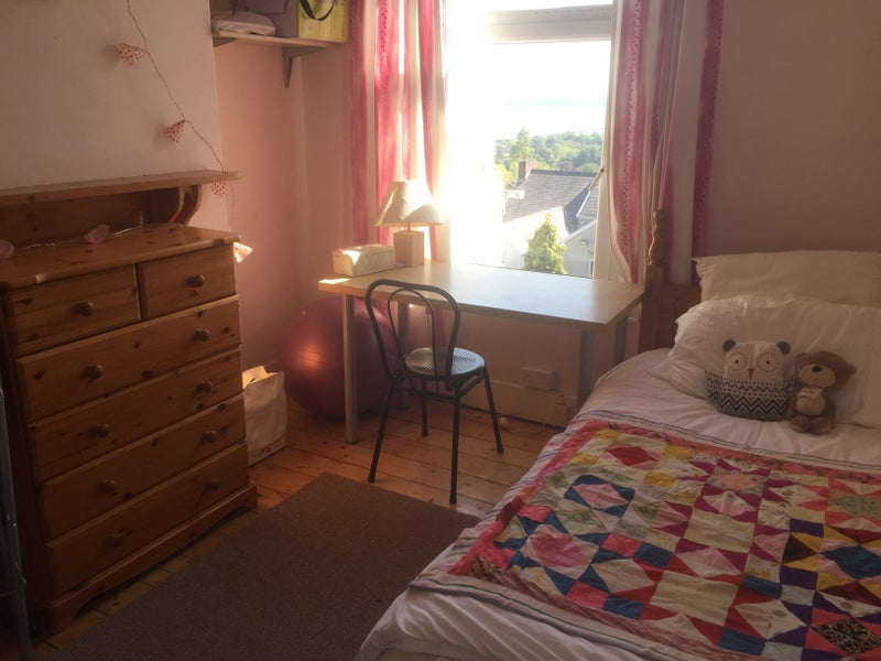 Sunny single room with sea view in Uplands Main Photo