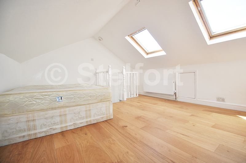 Beautiful 3 Bed Duplex Apartment Main Photo