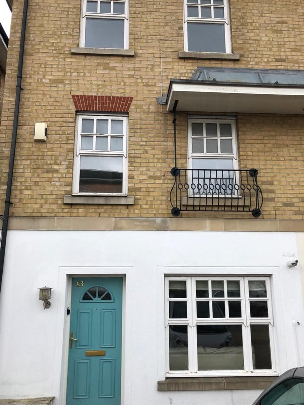 Large 3 Bedroom House Available In N10 Main Photo