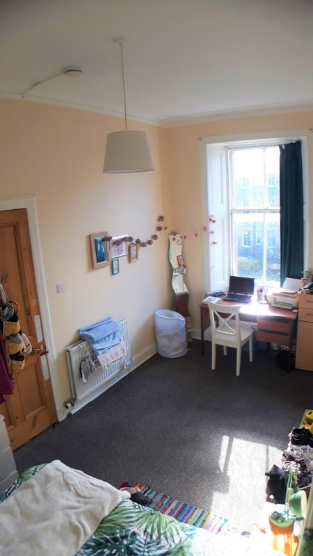 Bright, spacious room in Marchmont Main Photo