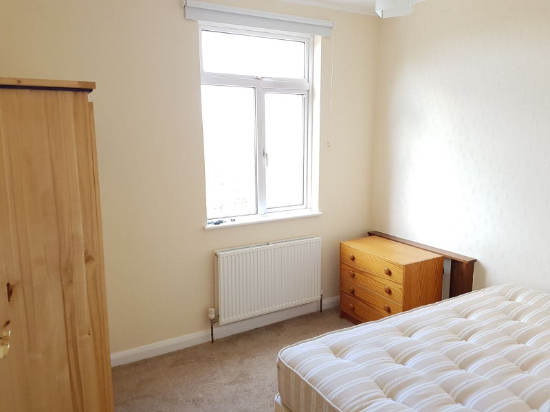 Double Room in Friendly Clapham South Flat Main Photo