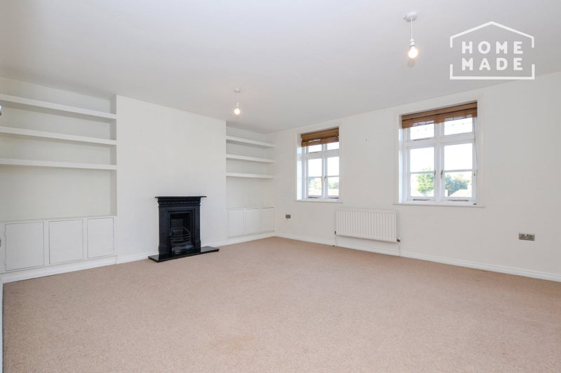 Pet friendly 2 bedroom apartment in Grove Park Main Photo