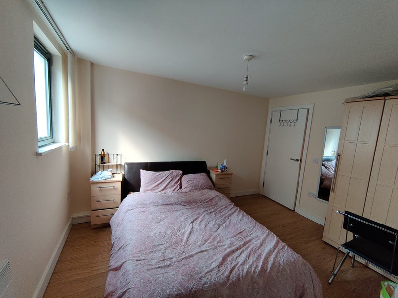 Double bedroom in hulme Main Photo