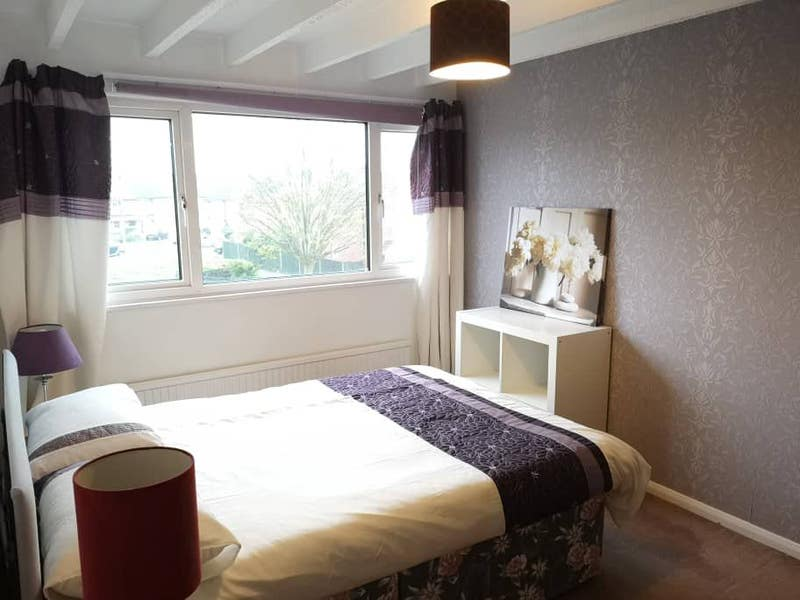 Luxury Double Room Close to Centre  Main Photo