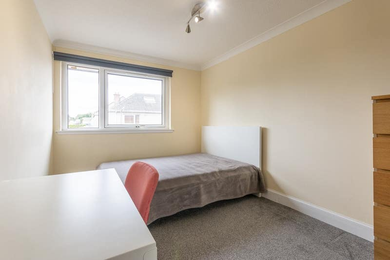 Double Room Near Cameron Toll - Available June Main Photo