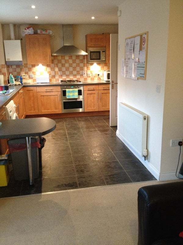 Double Room in 3 Bed Apartment in Medbourne  Main Photo